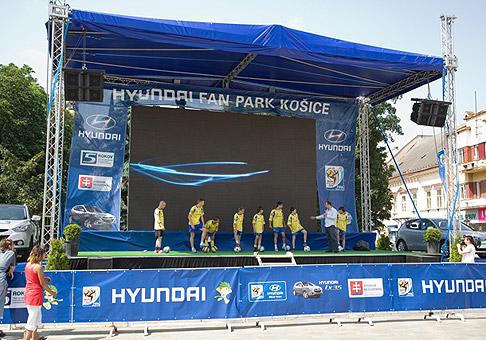 Hyundai Fun Park Košice bude otvorený 30 dní, počas MS vo futbale a košičania môžu sledovať všetky zápasy. V deň otvorenia boli pripravené mnohé futbalové súťaže. 11.6.2010 Košice.