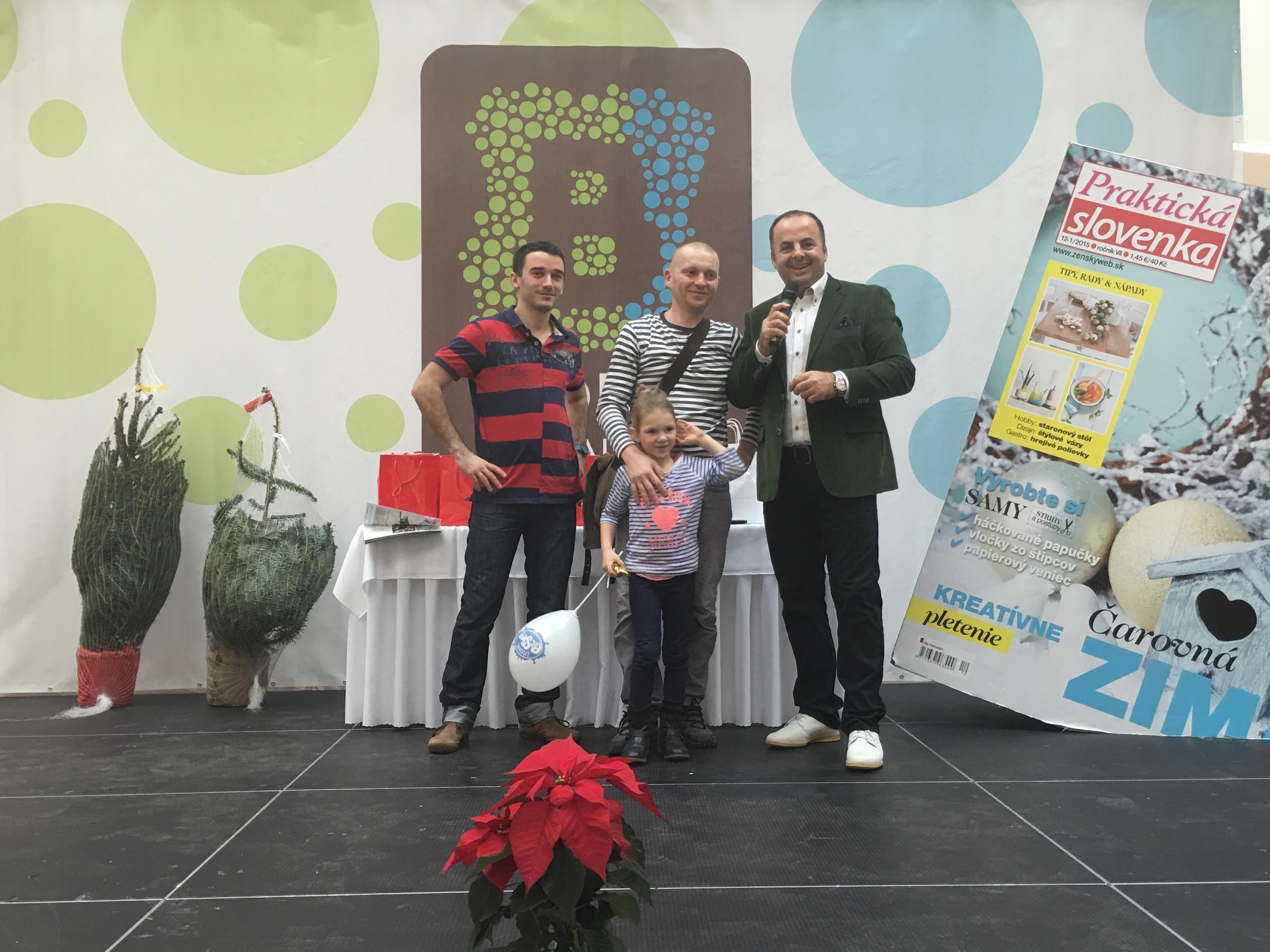 Vianocny program v Bory mall s Praktickou Slovenkou. 13.december 2015.Bratislava