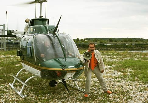 Na oslave 15. tich narodenín spoločnosti Q-ex sa obchodní partneri mohli previezť vo vrtuľníku nad Bratislavou.