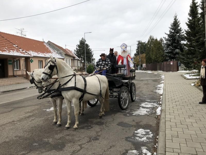 Mikulas v Lábe. 3.decembra.2017. Láb.
