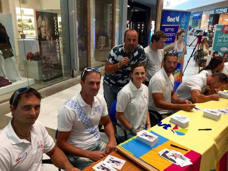 Autogramiada Slovenskeho olympijskeho vyboru a spolocnosti SEVT v Auparku. 26.augusta.2015. Bratislava