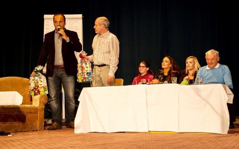Vtipnejši vyhrava. Matej Landl, Karin Haydu, Monika Haasova, Jozef Golonka. 27.oktober.2014.Revuca.